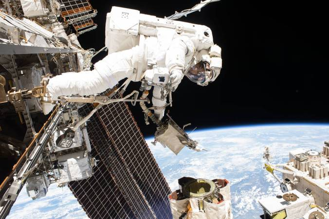 iss053e095792